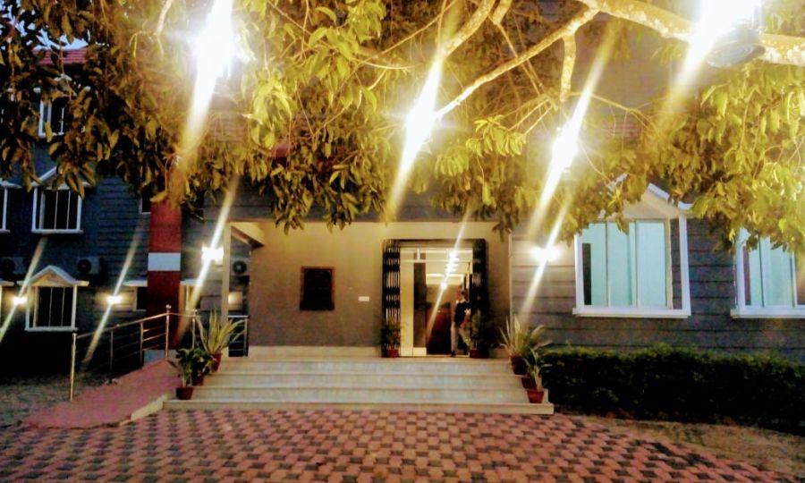 alt-text Polo Lake Resort, Neermahal, Resort in Melaghar 91
