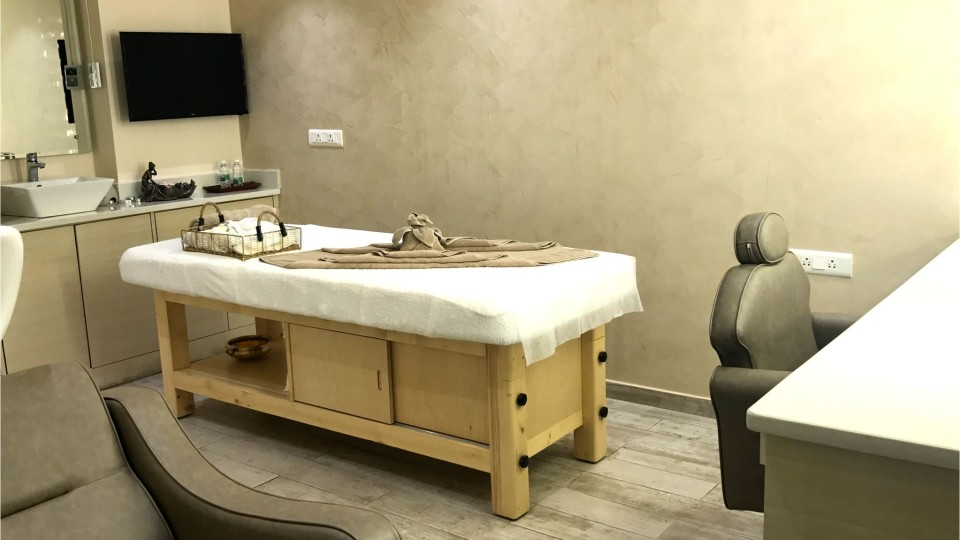 Kairos Saloon Spa at Hotel Daspalla Hyderabad Hotel in Hitech City 4