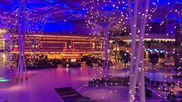 architecture-auditorium-blue-bright-colours-382297