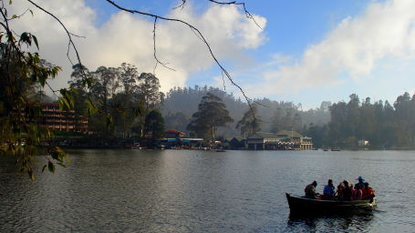 Kodaikanal Lake, The Carlton Kodaikanal,  Hotel Near Kodaikanal Lake, Day in Kodaikanal