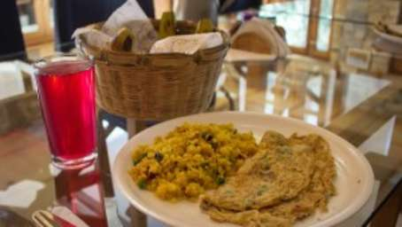 Hotel Kosi Valley Retreat, Almora Almora food e