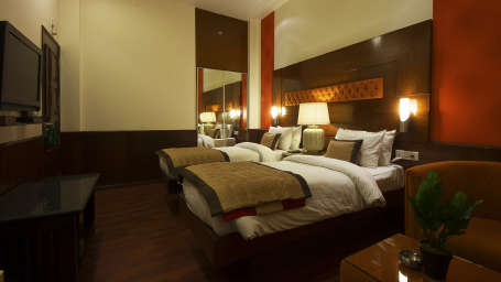 Rooms in Paharganj, Standard Rooms at Hotel Aura Paharganj New Delhi 3