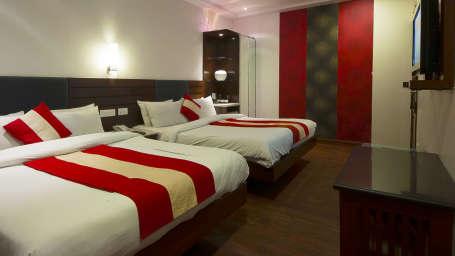 Rooms in Paharganj, Family Rooms at Hotel Aura Paharganj New Delhi 3