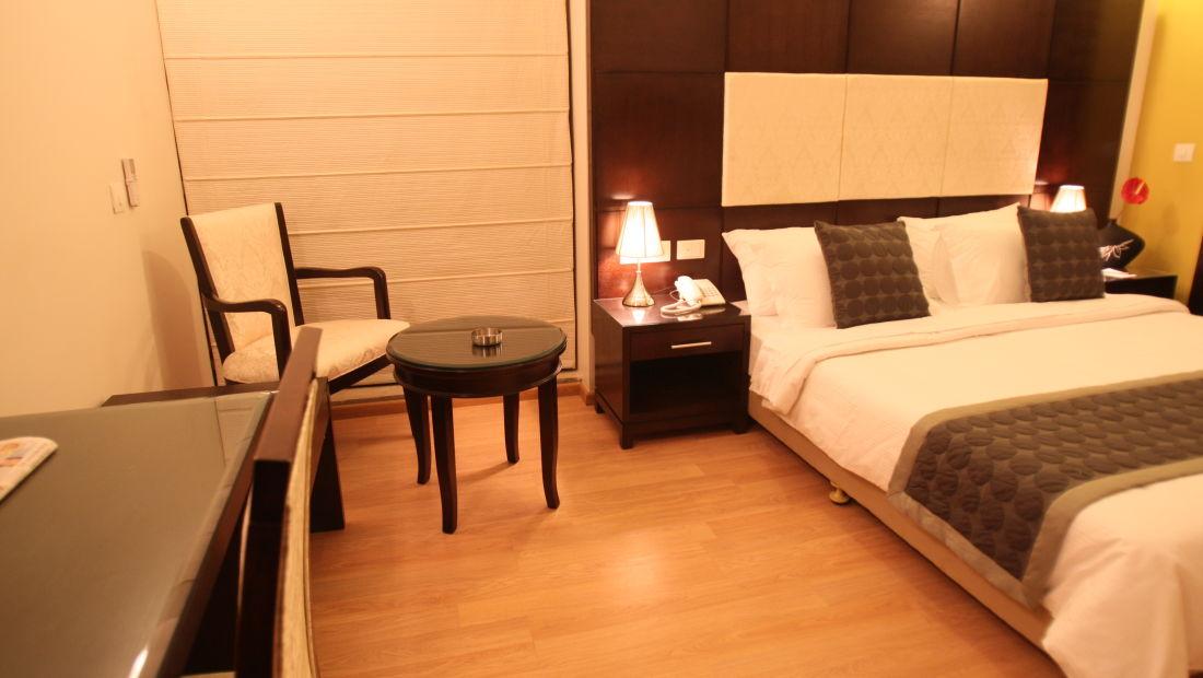 Emblem Hotel, New Friends Colony, New Delhi Delhi Executive Room 1 Emblem Hotel New Friends Colony New Delhi