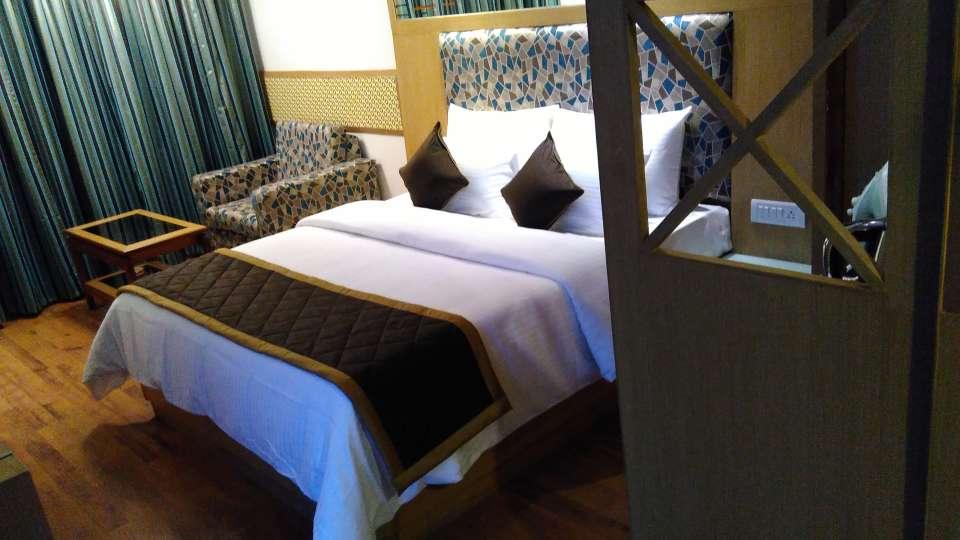 Maurya Hotel, Bangalore Bangalore Deluxe Room Hotel Maurya Bangalore 2