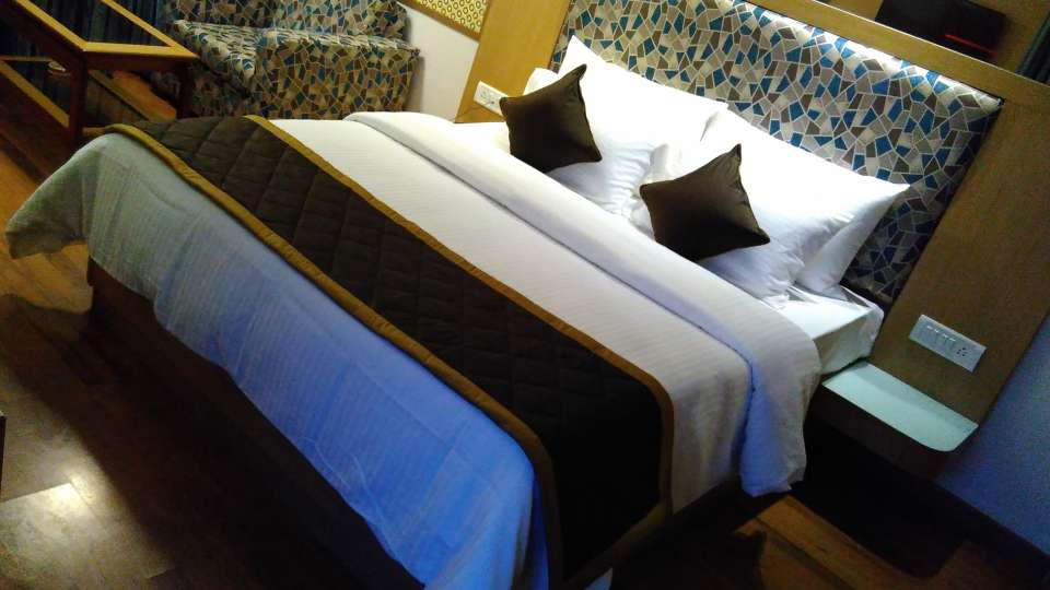 Maurya Hotel, Bangalore Bangalore Deluxe Room Hotel Maurya Bangalore 4