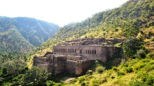 Bhangarh Fort - 30 Km from the hotel