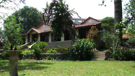 Fairholme Bungalow, Yercaud Yercaud around fairholm bungalows yercaud 2