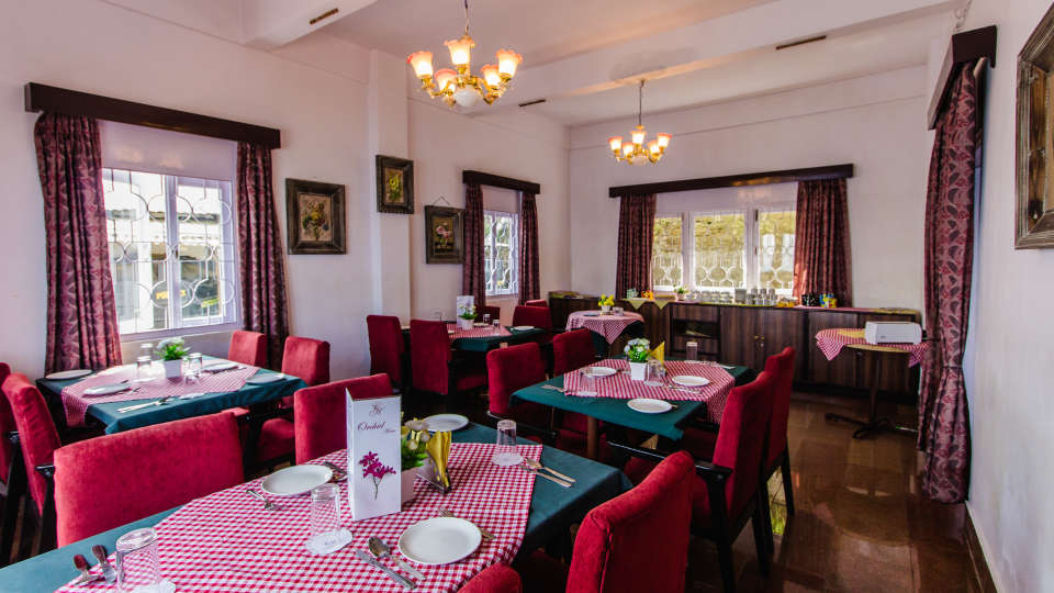 Central Gleneagles, Darjeeling Darjeeling Restaurant at Central Gleneagles Hotel Darjeeling