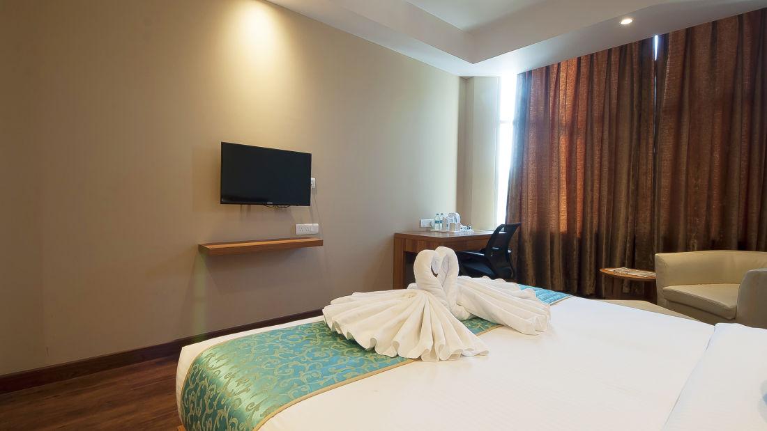 Le ROI Haridwar Hotel Haridwar Premium Room Le Roi Haridwar Hotel 2