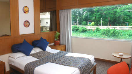 Sunrise Room at Floatel Kolkata, Budget Hotel Rooms in Kolkata 1