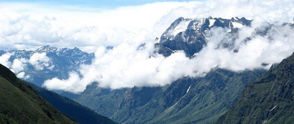 Yumthang Valley Summit Alpine Resort Lachung Hotels in Lachung