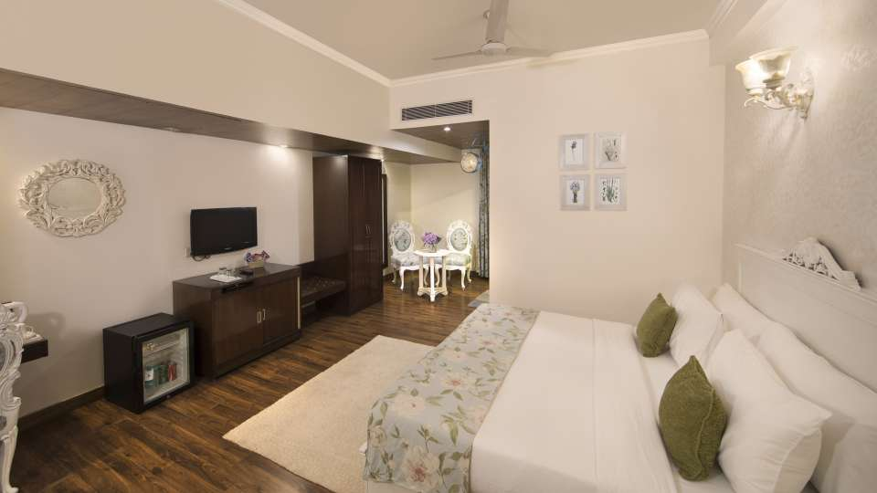 Executive Suite Rockland  Hotel Chittaranjan Park Hotel New Delhi Greater Kailash Hotel 2