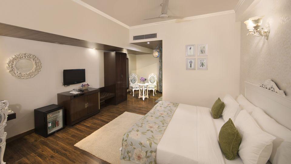 Executive Suite Rockland  Hotel Chittaranjan Park Hotel New Delhi Greater Kailash Hotel 2