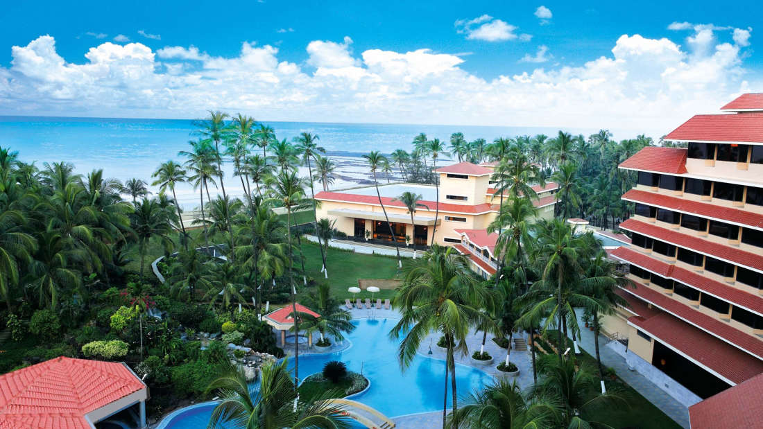 Beach Resort in Mumbai, The Retreat Hotel and Convention Centre Malad Mumbai