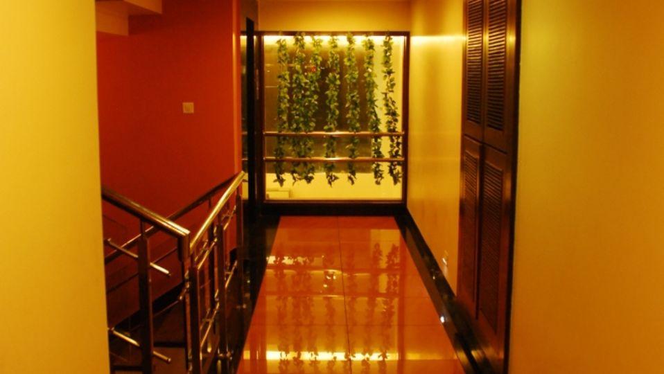 Corridor at Grad AShirwad Beacon Hotel Bhopal 2