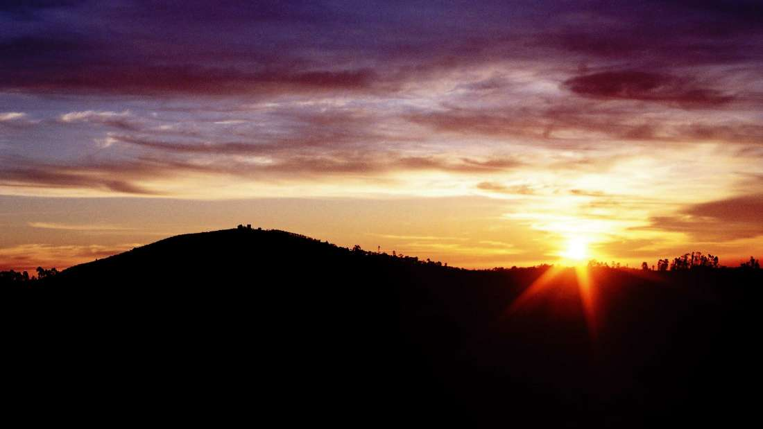Sun Rise from Coacker s Wal,The Carlton - 5 Star Hotel in Kodaikanal, hotel near kodaikanal lake