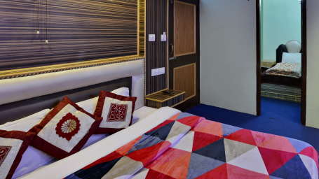 Hotel Vikrant Inn, Manali Manali INTERCONNECT TRIPLE BED Hotel Vikrant Inn Manali 2