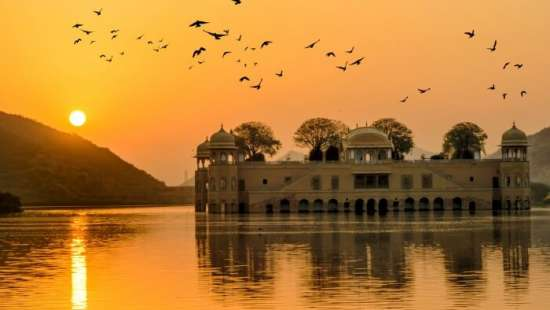 Jal Mahal Sarovar Portico Jaipur
