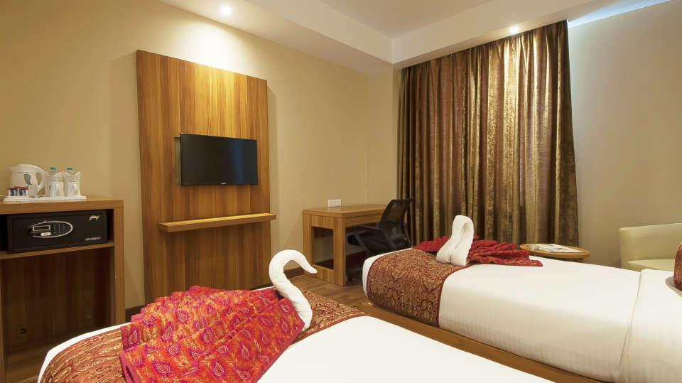Le ROI Haridwar Hotel Haridwar Deluxe Room Le Roi Haridwar Hotel 1