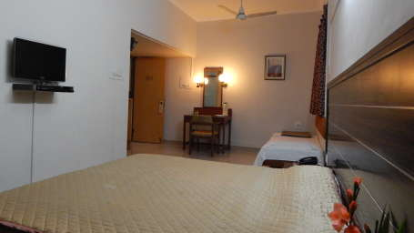 Hotel Raviraj, Pune Pune deluxe double room hotel raviraj pune