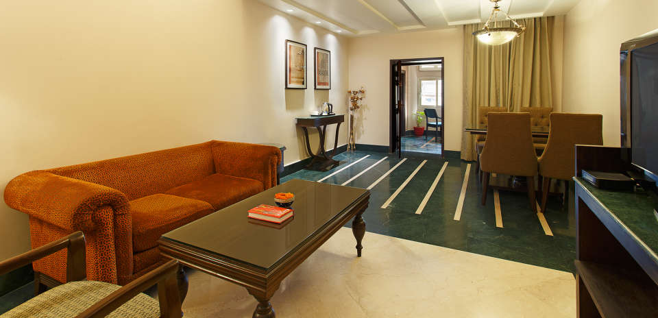 Living room Ganga Lahari Hotel, hotel near haridwar railway station