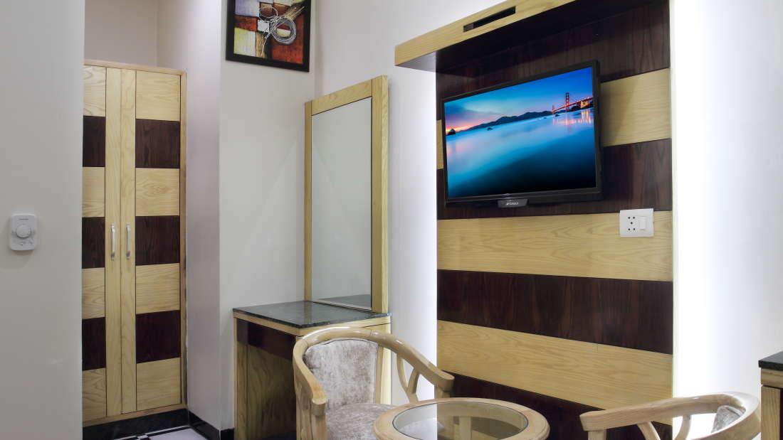 Hotel Hari Piorko - Paharganj, New Delhi New Delhi Executive Gold Hote Hari Piorko Paharganj New Delhi 11