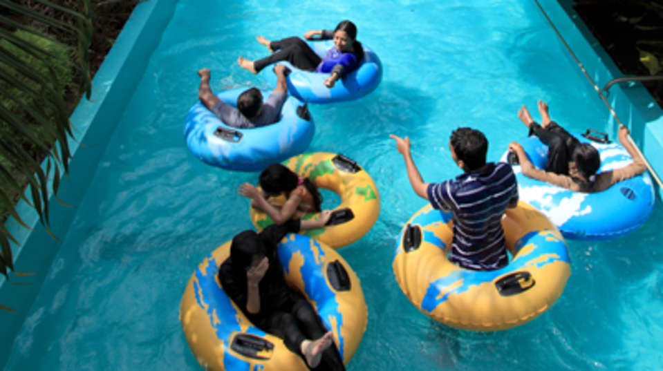 fun in lazy river at wonerla amusement park