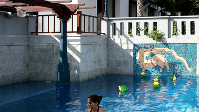 swimming pool - thumbnail