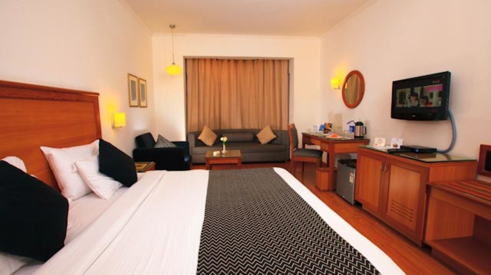 Suite at Abad Plaza at Hotel Rooms in Kochi 3