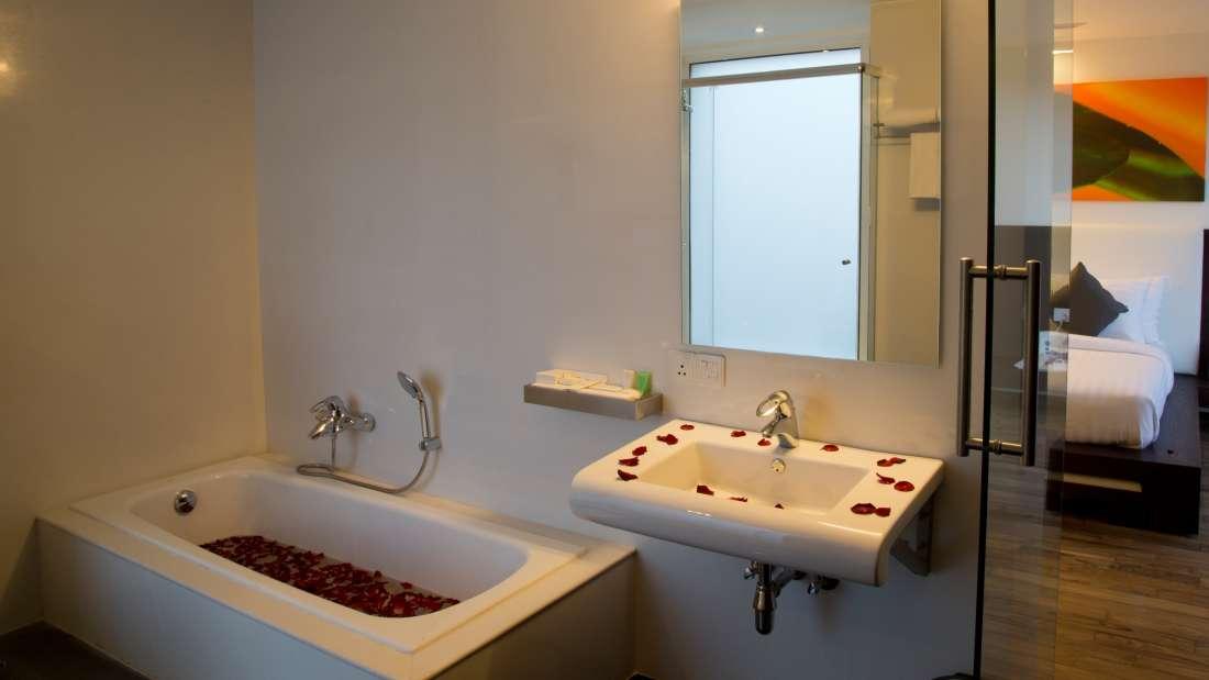 Springs Hotel & Spa, Bangalore Bengaluru Bathroom Suite Room Springs Hotel Spa