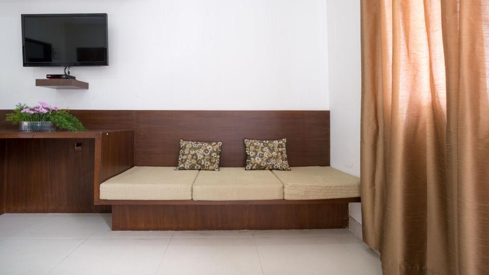 The Sanctum Suites, Bangalore Bangalore Premium King Room 4 The Sanctum Suites Bangalore