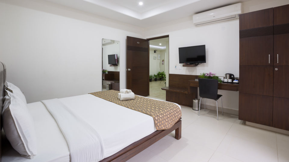 The Sanctum Suites, Bangalore Bangalore Premium King Room with balcony 2 The Sanctum Suites Bangalore