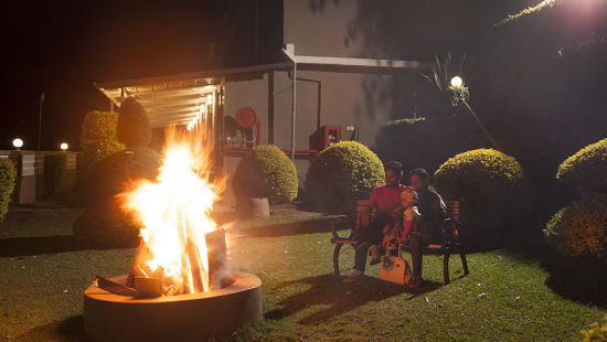 campfire at Abad Copper Castle - honeymoon resorts in Munnar