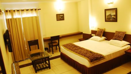 Deluxe Rooms at Grand Ashirwad Beacon Hotel Bhopal 4