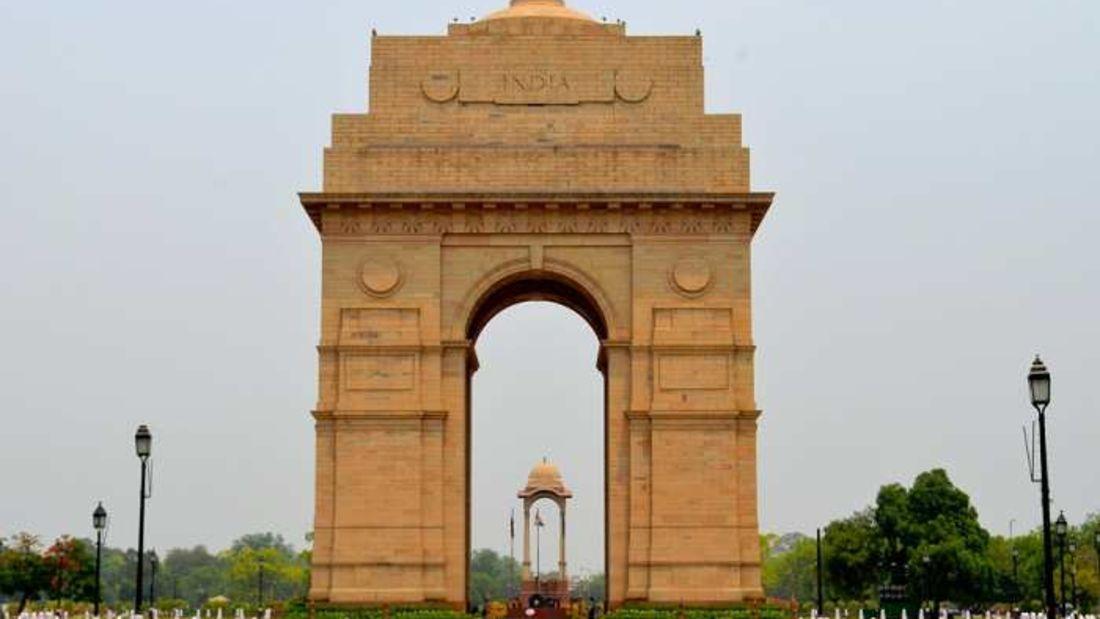 india gate the grand new delhi