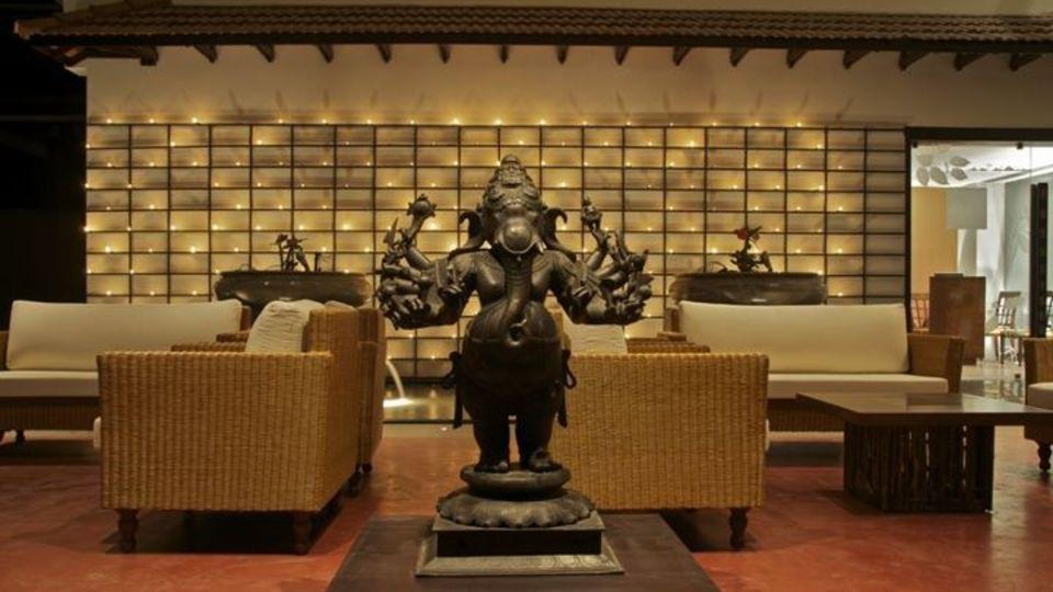 Lobby Vasundhara Sarovar Premiere Vayalar 8