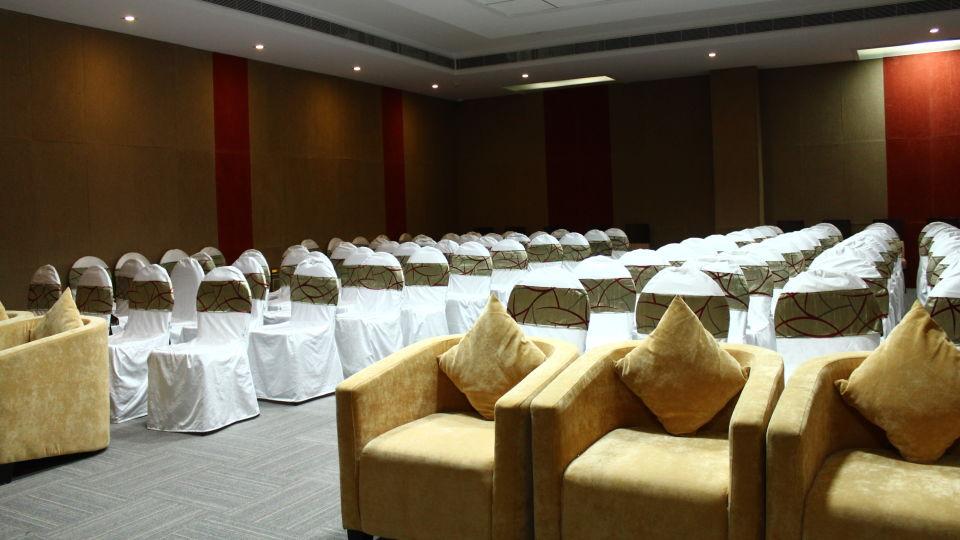 Hotel Nidhivan Sarovar Portico, Mathura Mathura Banquet Hall Hotel Sarovar Portico Mathura 2