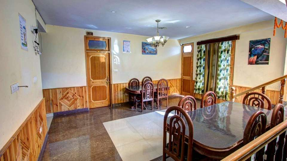 Nihal Cottage - A Unit of RIDE AT HILL Manali dining area 2
