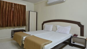 Hotel Maya Deluxe, MG Road, Secunderabad Secunderabad Super Deluxe Room Hotel Maya Deluxe MG Road Secunderabad 2