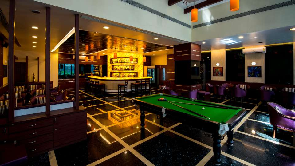 Bar In Pune,  The Orchid Hotel, Best Pune Hotels 11
