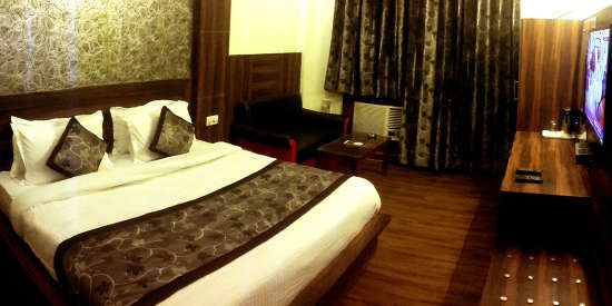 Super Deluxe Rooms at Hotel jagdish Residency Katra 3