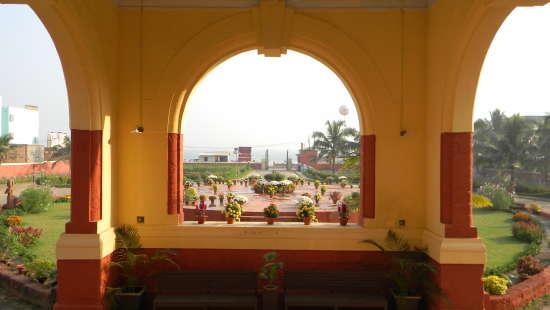 Fort Mahodadhi Puri Fort Mahodadhi Puri Beach Hotel Overlooking the Bay of Bengal