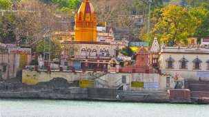 Chevron Hotels  Temples across the Ganges near Swargashram  Muni Ki Reti  Rishikesh