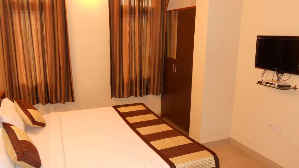 Jaipur Residences, Vaishali Nagar Jaipur Deluxe Room Hotel Jaipur Residences Vaishali Nagar 4