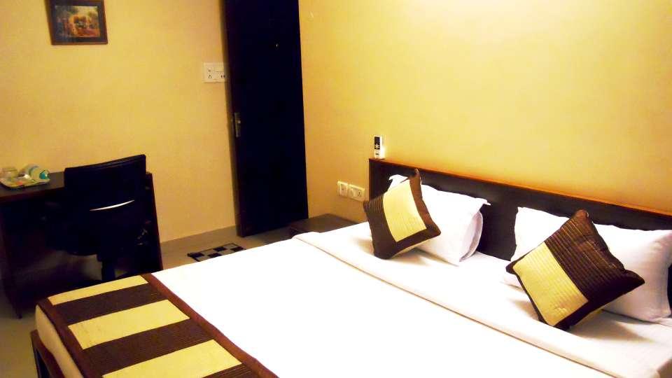 Jaipur Residences, Vaishali Nagar Jaipur Deluxe Room Hotel Jaipur Residences Vaishali Nagar 7