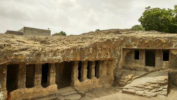Bava Pyara caves