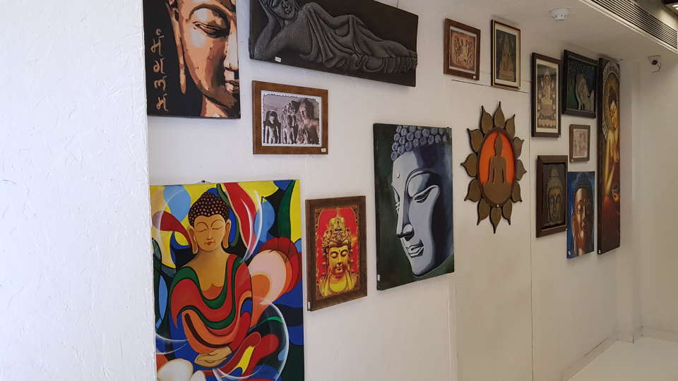 Andheri East Hotel, Dragonfly Hotel - Art Hotel in Andheri