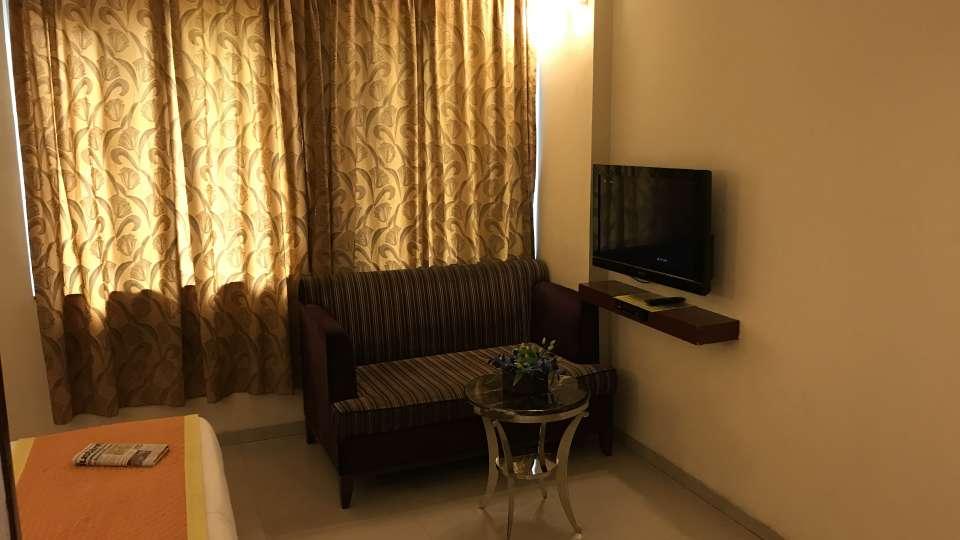 Super Deluxe Hotel Southern New Delhi 5