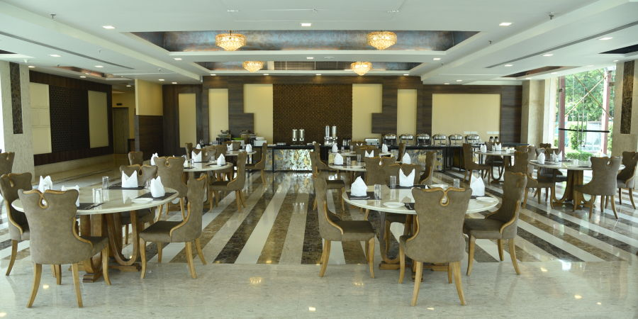 alt-text Restaurant in Delhi, U Kitchen at OPULENT HOTEL BY FERNS N PETALS, Dine In Delhi 0655 0652